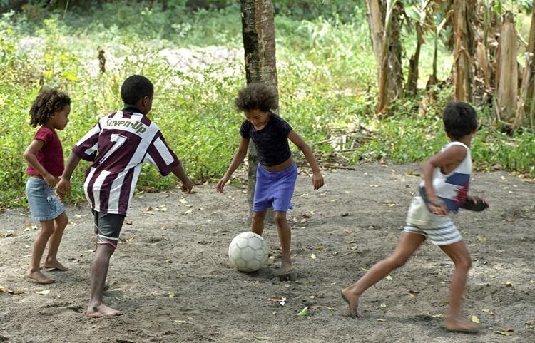 Edital anual da Fundação UEFA para Crianças recebe inscrições até 15/08
